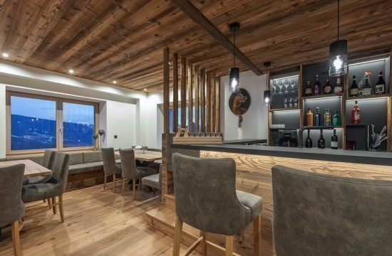 bar-lobby-02