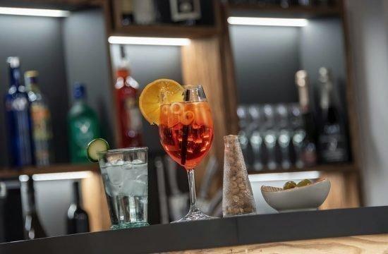bar-lobby-09